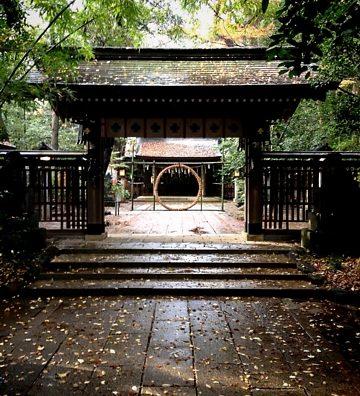 流山の諏訪神社にて安産祈願。