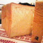 「泉」印の食パン