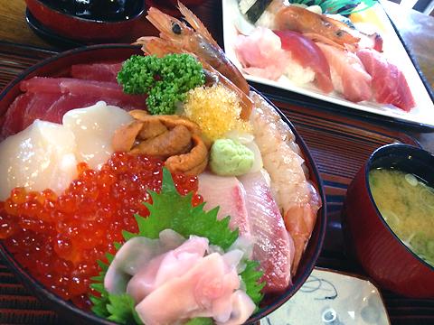 運河:伊澤家のボリューム満点海鮮丼。