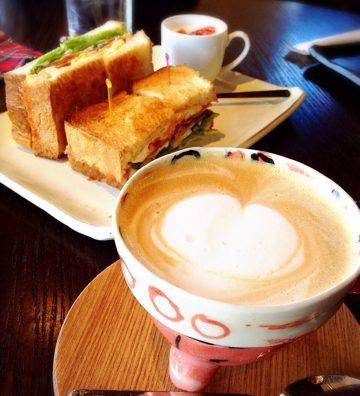 野田市素敵な隠れ家カフェ「Cafe MessoPasso(メッツォパッソ)」。