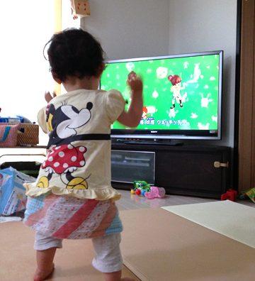 「妖怪ウォッチ」体操をがお気に入りの娘ちゃん。