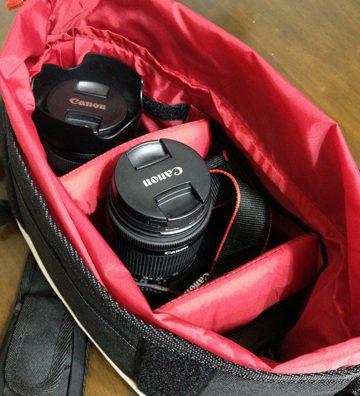 お洒落で便利なカメラバッグ見つけました。