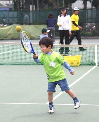 子供の日は「親子テニス教室」に参加してきました。