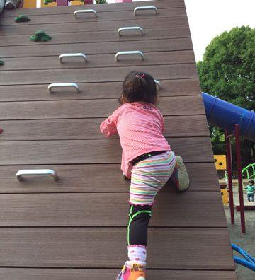土曜日の夜はにぎやか~♪柏の葉公園で筋トレ遊び。