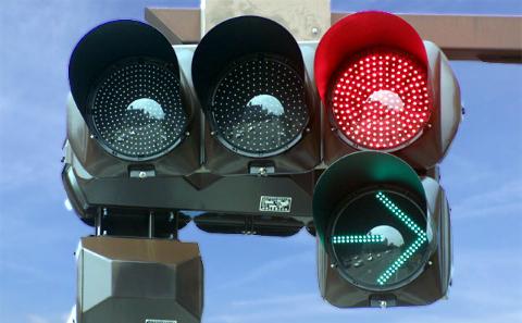 「千葉県警察信号機BOX」を利用してみたら千葉県警が対応してくれた。