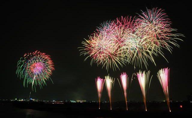 「市制施行50周年・第40回流山花火大会」有料観覧席が発売開始です!