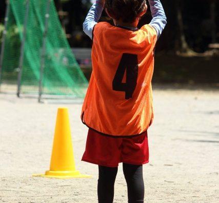 「ボールは友達」スフィーダサッカークラブの体験会に行ってきました。