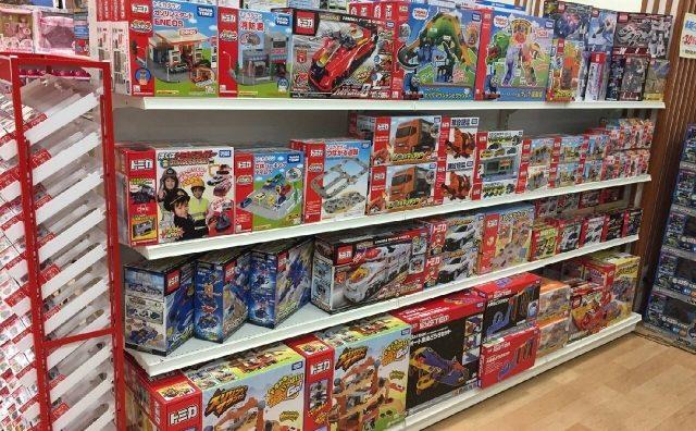 救世主現る。モラージュ柏に「おもちゃ屋さんの倉庫」オープン。