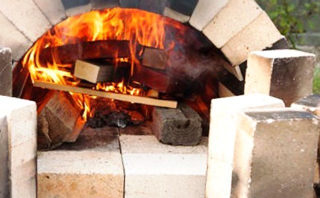 流山市人口18万人超え記念。東洋ハウジングにて「本格石釜!焼きたてピザイベント in 流山おおたかの森」が開催されます。