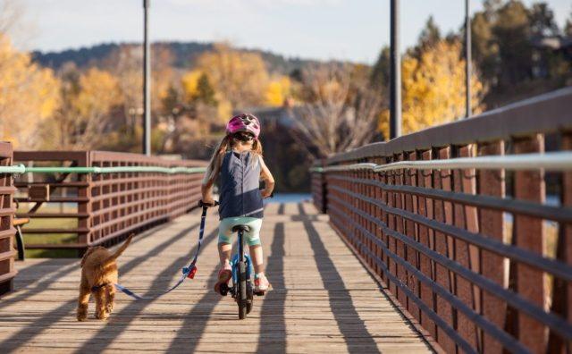早い子は3歳で乗れる!「ストライダー14X」で自転車デビュー。