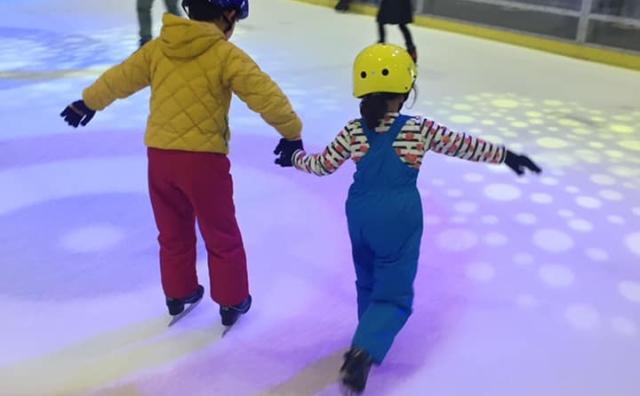 今がおすすめ!「埼玉アイスアリーナ」でアイススケート。