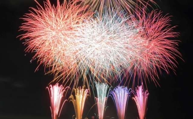 令和元年の「流山花火大会 2019」は平日開催です。