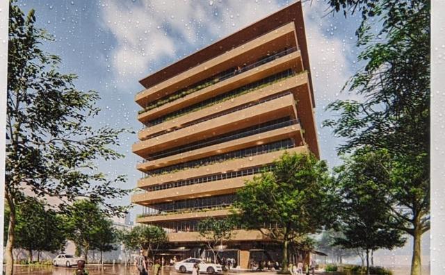 流山おおたかの森西口駅前に10階建ての商業・業務施設。